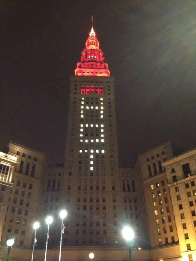 Downtown town Cleveland celebrates Hot in Cleveland's live show. Terminal Tower on Public Square.
